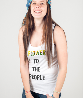 T-shirt flower to the people
