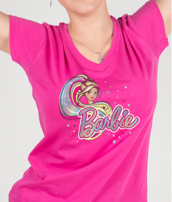 Camiseta Barbie fashionista logotipo