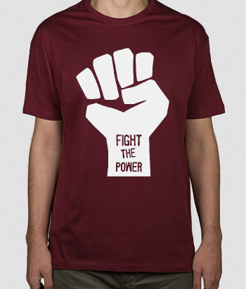 T-shirt con scritta Fight the Power