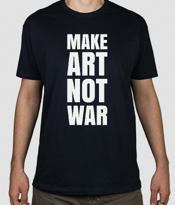 T-shirt con scritta Make art not war