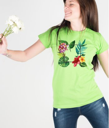 Camiseta veraniega marco tropical