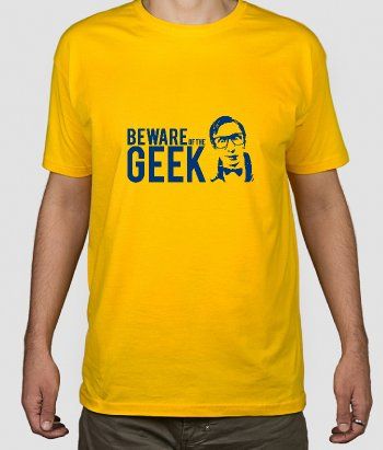 T-shirt tekst beware of the geek