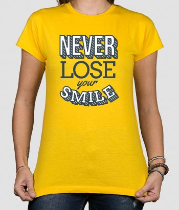 Camiseta con mensaje Never lose your smile