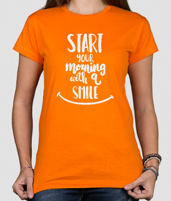 T-shirt tekst start with a smile