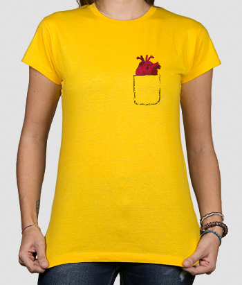 T-shirt cuore in tasca