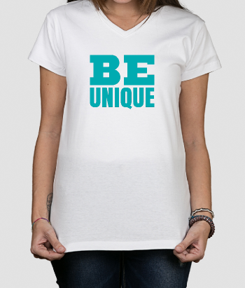 Camiseta con mensaje Be Unique