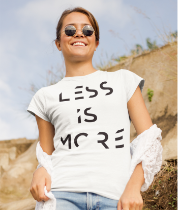 Camiseta Original Less is More